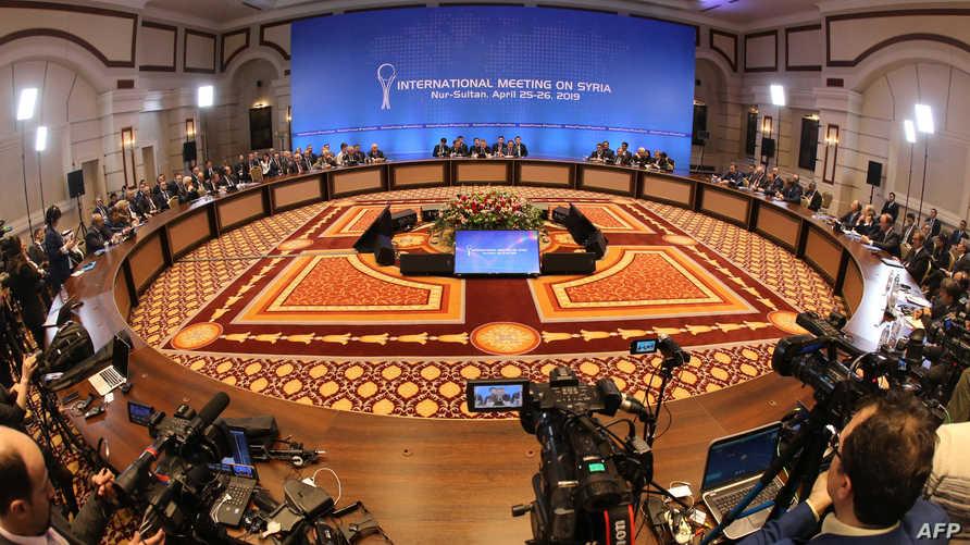 اجتماع سابق للجنة الدستورية السورية في كازاخستان