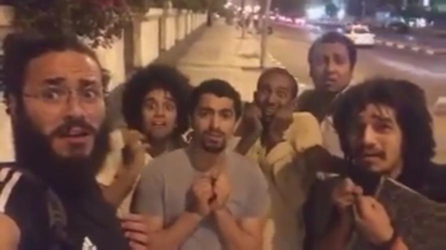 صورة من فيديو ساخر نشره الشبان الستة