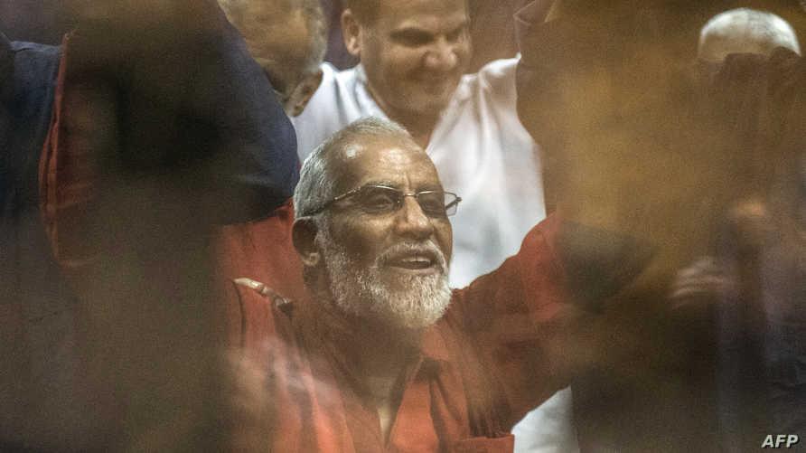 تعتبر الكتلتان أن محمد بديع الموجود حاليا في السجن هو المرشد العام للجماعة