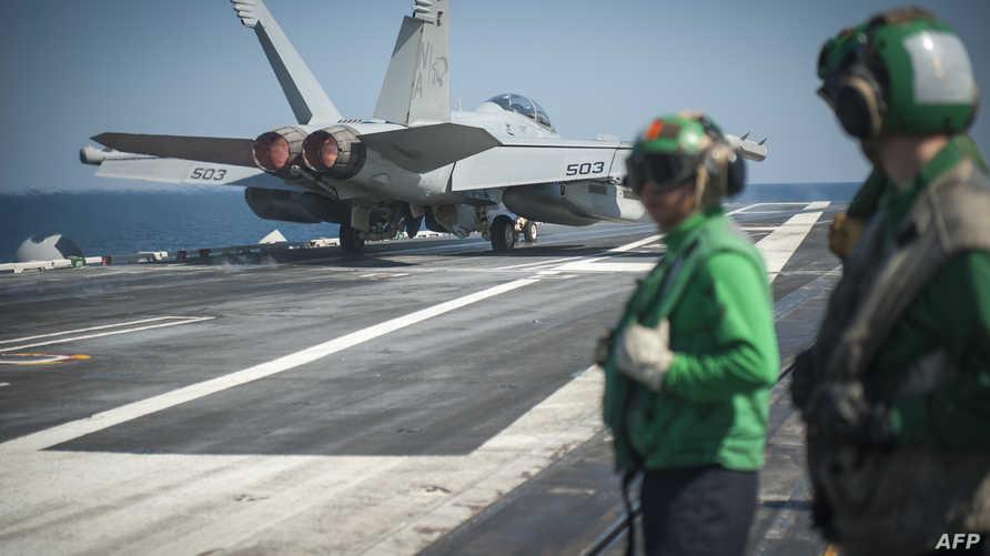 صورة من البحرية الأميركية لحاملة الطائرات كارل فينسون التي تساهم في جهود التحالف ضد تنظيم داعش
