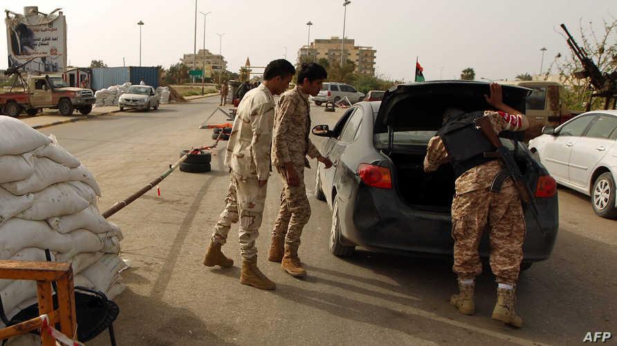 نقطة تفتيش للجيش الليبي في بنغازي- أرشيف