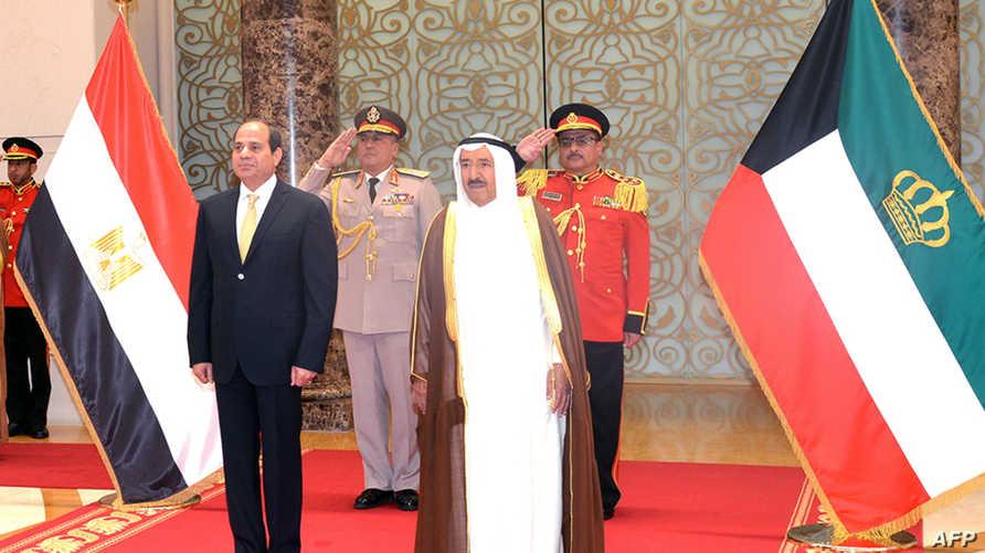 أمير الكويت صباح الأحمد الجابر الصباح مع الرئيس المصري عبد الفتاح السيسي (صورة أرشيفية)