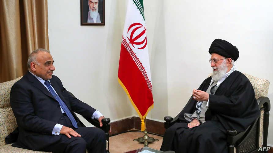 المرشد الأعلى لإيران آية الله خامنئي خلال لقائه برئيس الوزراء العراقي عادل عبدالمهدي