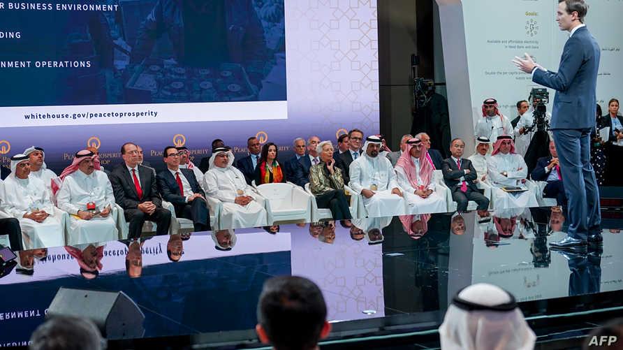 جاريد كوشنر، مستشار الرئيس الأميركي خلال مشاركته في ورشة المنامة، والتي عرض فيها عن الشق الاقتصادي لصفقة القرن