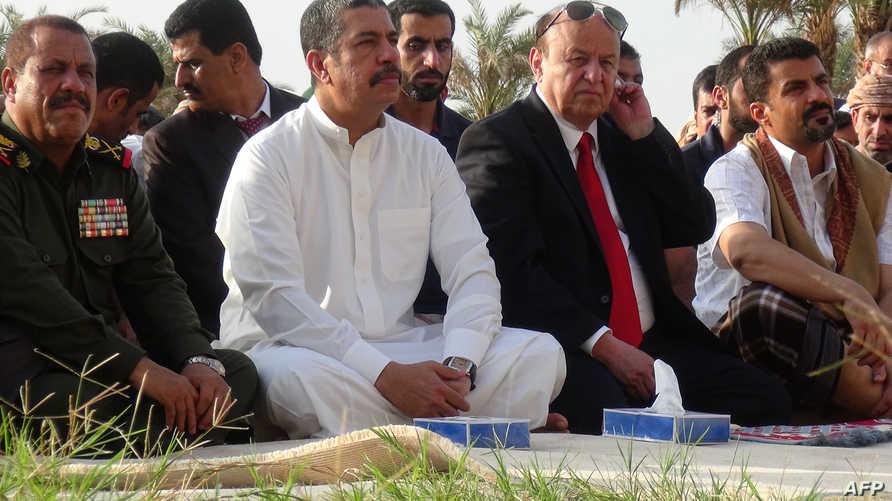 الرئيس اليمني عبد ربه منصور هادي ورئيس الوزراء خالد بحاح- أرشيف