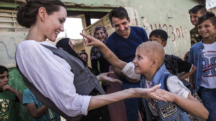 أنجلينا جولي في الموصل