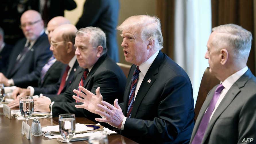 ترامب خلال لقائه مع قادة دول البلطيق (أ ف ب)