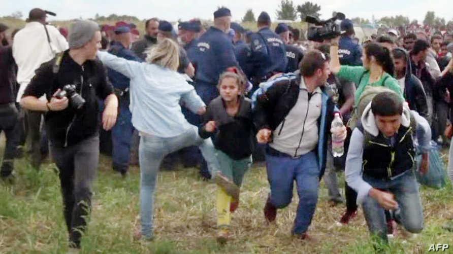 المصورة تعرقل اللاجئين