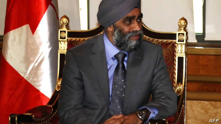 وزير الدفاع الكندي هارجيت ساجان خلال اجتماعه برئيس إقليم كردستان مسعود برزاني