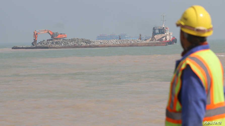 أعمال بناء ميناء الفاو الكبير جنوب العراق