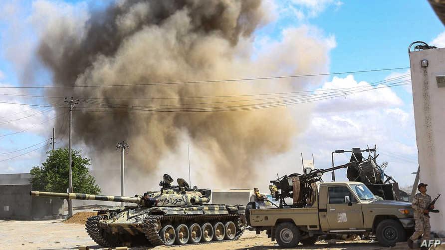 اشتباكات وقصف سابق في العاصمة الليبية طرابلس