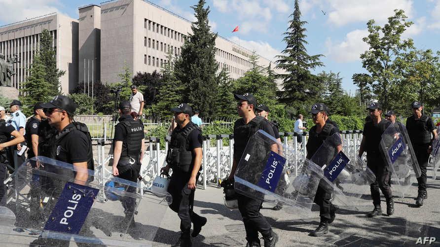 الشرطة التركية في أنقرة