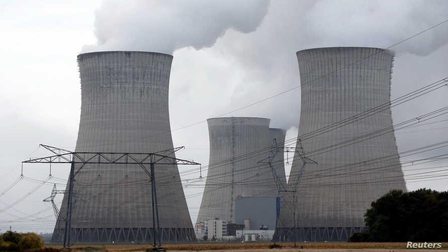 محطات لتوليد الكهرباء تنتج انبعاثات كربونية - صورة أرشيفية