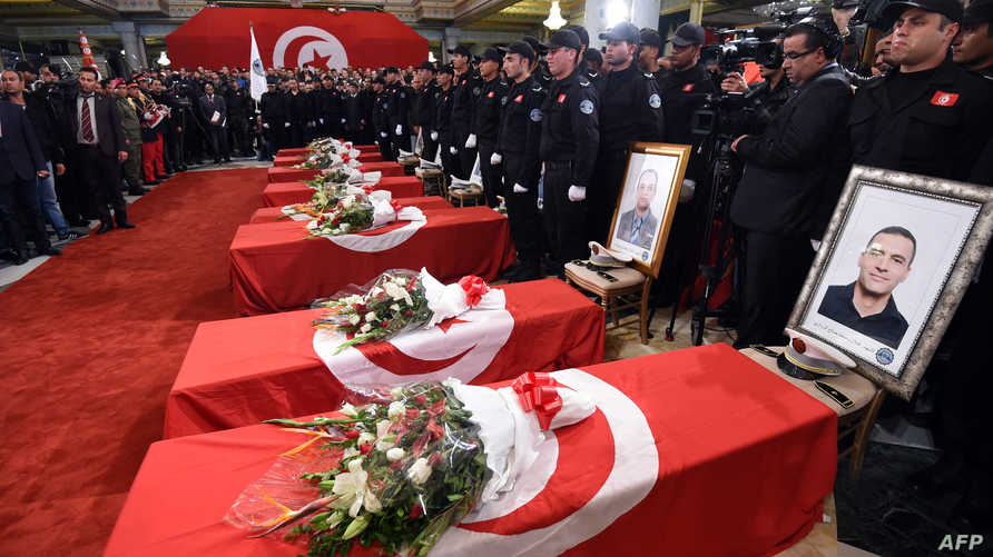 تشييع ضحايا الهجوم الانتحاري في تونس