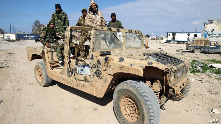 عناصر من قوات حفتر في بنغازي