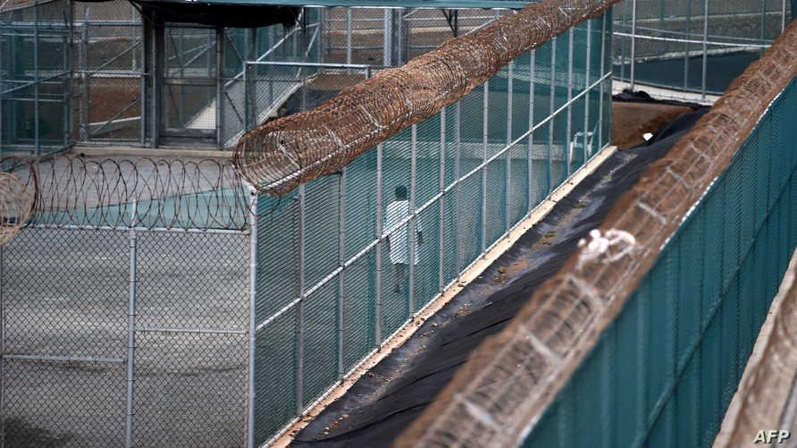 أحد المعتقلين في غوانتانامو - أرشيف