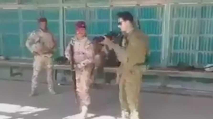مسابقة بين جندي عراقي وآخر استرالي