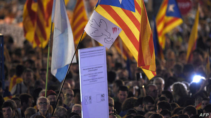 حشود في برشلونة مؤيدة لاستقلال إقليم كاتالونيا عن إسبانيا-أرشيف