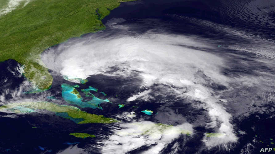صورة من قمر صناعي لإعصار ساندي فوق جزر الباهاماس.
