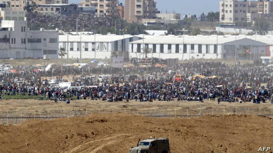 جانب من الاحتجاجات عند الحدود بين غزة وإسرائيل
