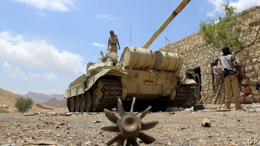 قوات موالية لهادي في نهم بمحافظة صنعاء- أرشيف
