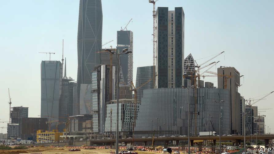 أبراج لم يكتمل بناؤها من ضمن مشاريع شركة سعودي أوجيه في العاصمة الرياض