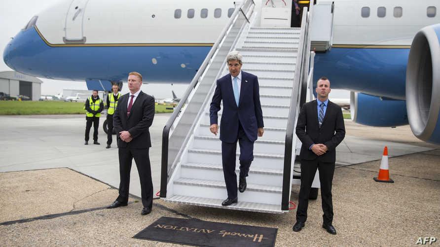 كيري لدى وصوله إلى لندن
