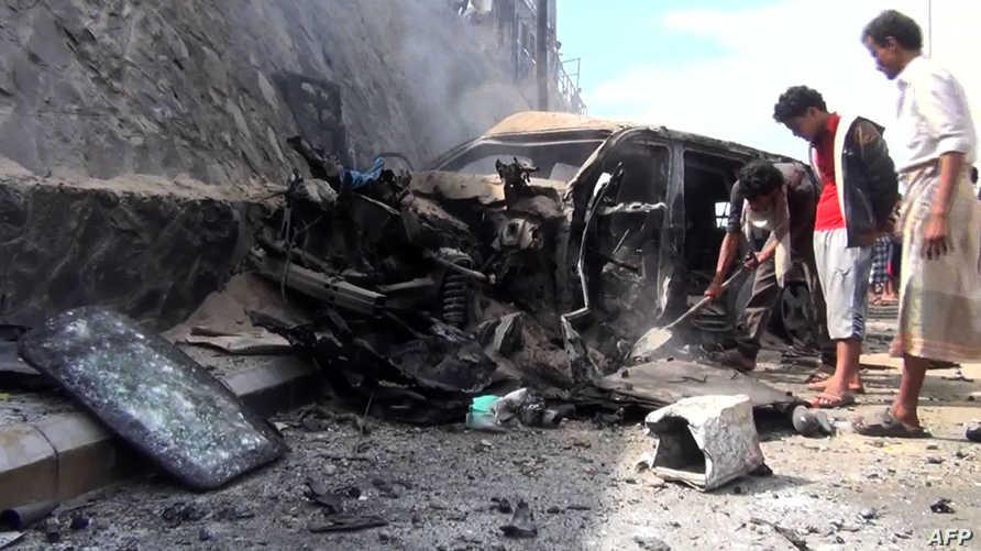 أضرار خلفها انفجار استهدف محافظ عدن الجنوب اليمني-أرشيف