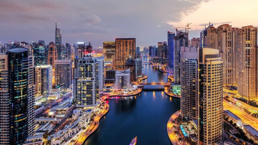 تسعى دبي لتوفير السعادة لـ 95 في المئة من سكانها بحلول عام 2021