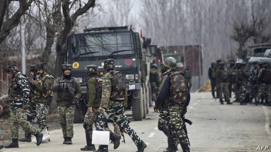 جنود هنود في جنوب كشمير