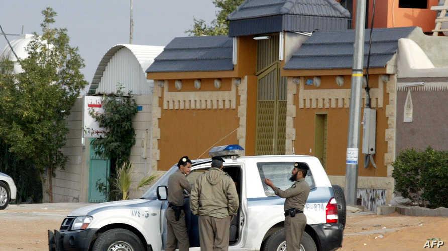 عناصر من الشرطة السعودية في الرياض، أرشيف