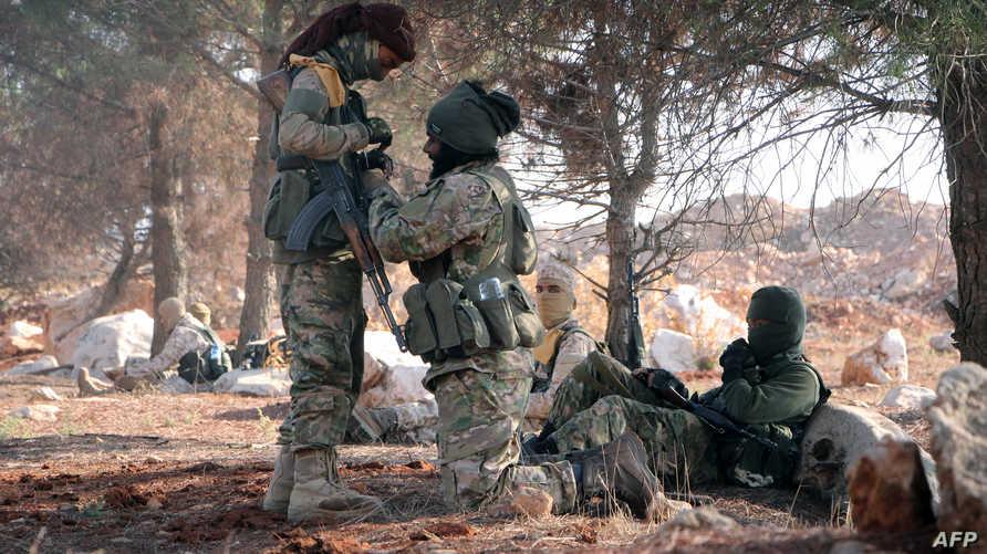 مقاتلون من المعارضة السورية في حلب -أرشيف