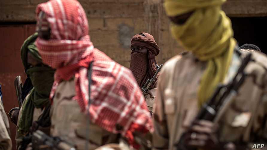 ويعمل كوفا على جذب أفراد أقلية الفولان إلى جماعته المتطرفة