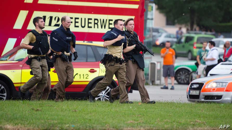 الشرطة الألمانية في موقع إطلاق النار بمدينة ميونيخ- أرشيف