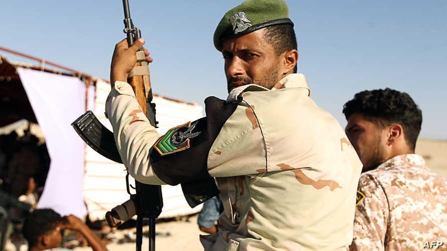 عناصر من قوات حفتر في ميناء الزويتينة النفطي