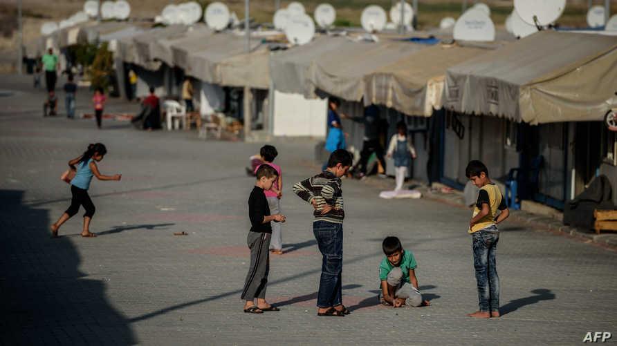 أطفال سوريون في مخيم للاجئين جنوب شرق تركيا