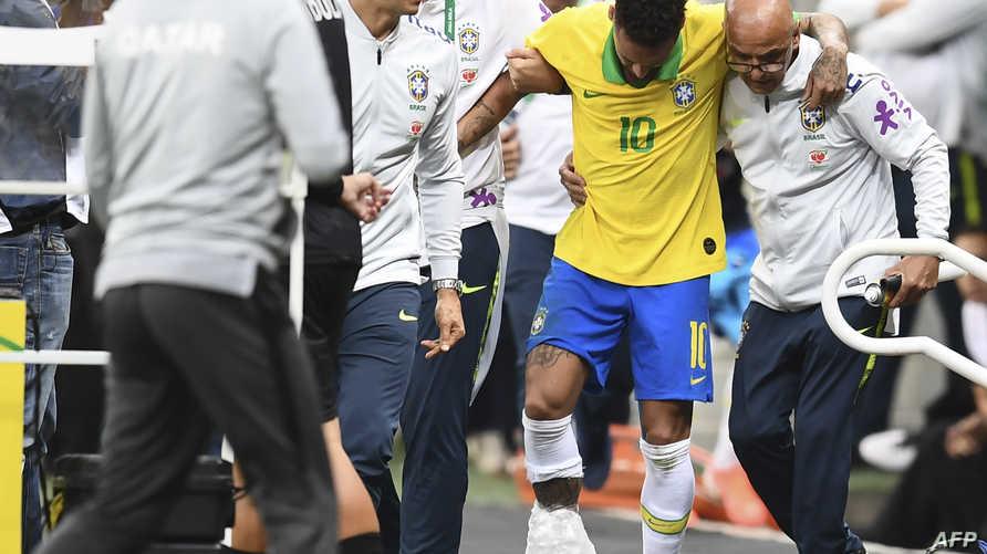 خروج نيمار مصابا من مباراة البرازيل وقطر