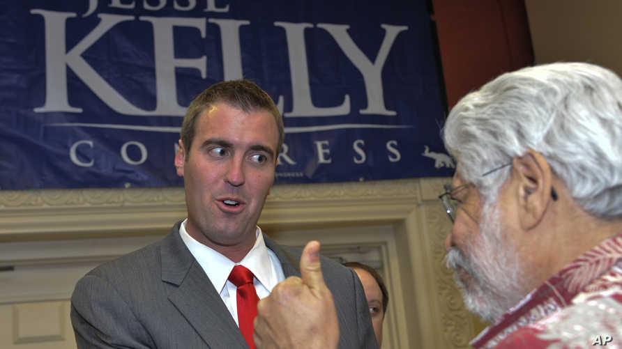 جيسي كيلي وأحد مؤيديه في انتخابات الكونغرس بأريزونا عام 2010