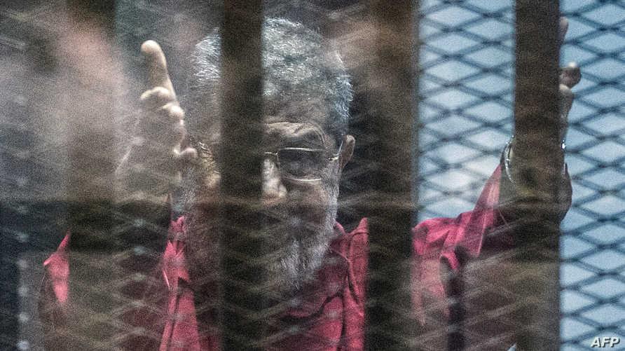 الرئيس المعزول محمد مرسي خلال المحاكمة