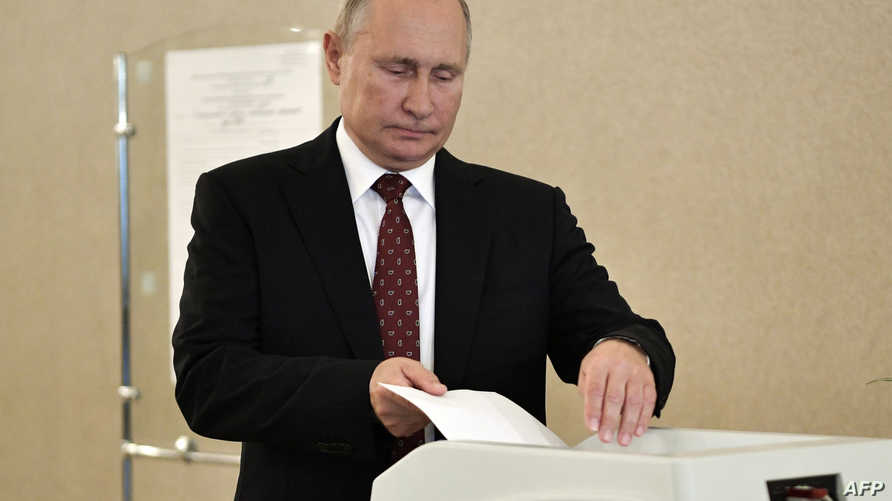 بوتين يدلي بصوته في انتخابات مدينة موسكو الأحد.