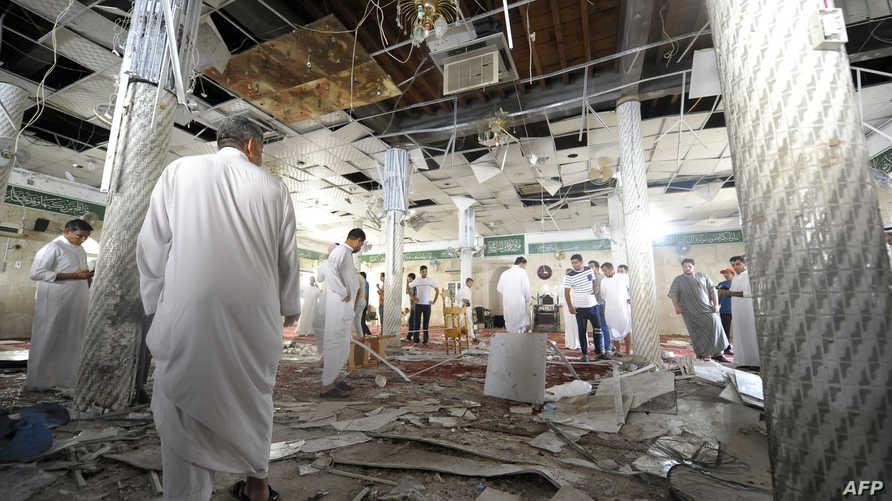 مخلفات التفجير داخل مسجد القديح