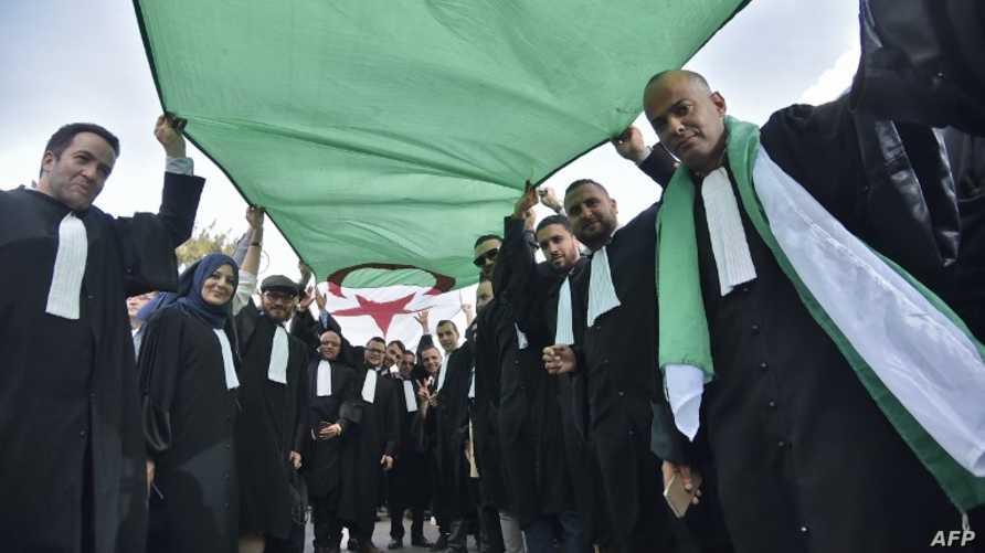 من مسيرة المحامين الجزائريين نحو المجلس الدستوري