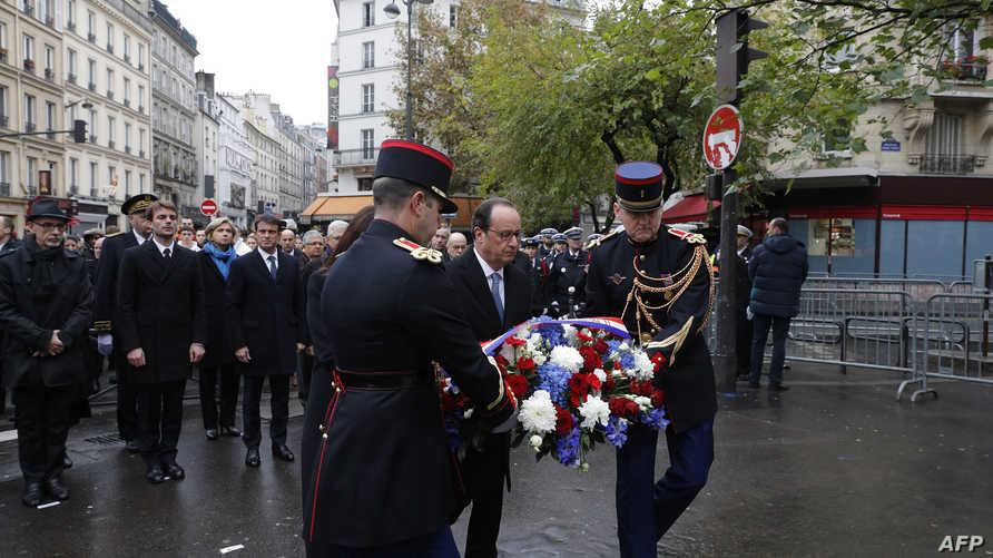 هولاند يشارك في إحياء ذكرى هجمات باريس