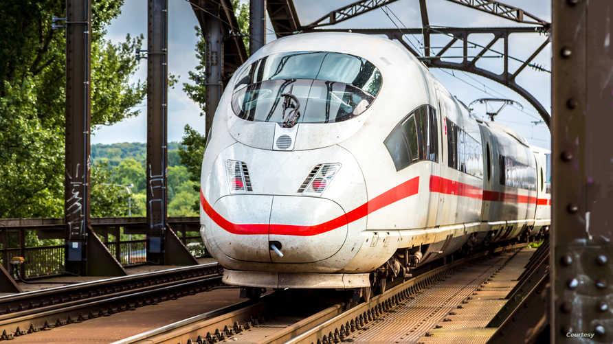 قطار في مدينة كولونيا الألمانية