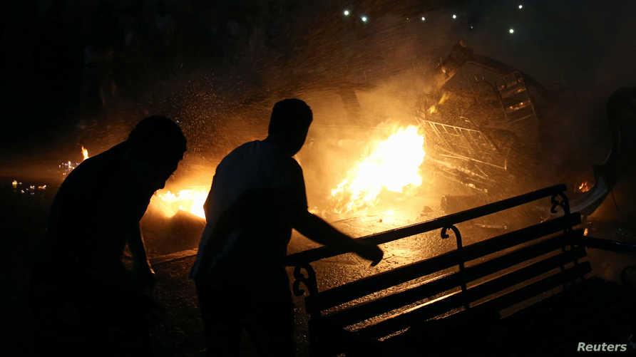 أشخاص قرب الانفجار الذي وقع في القاهرة
