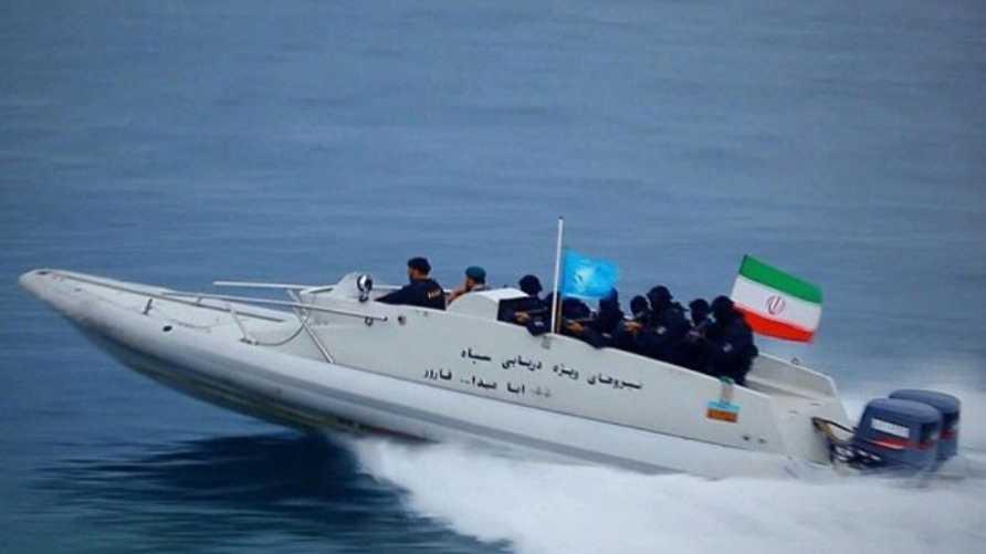 قارب تابع للحرس الثوري الإيراني