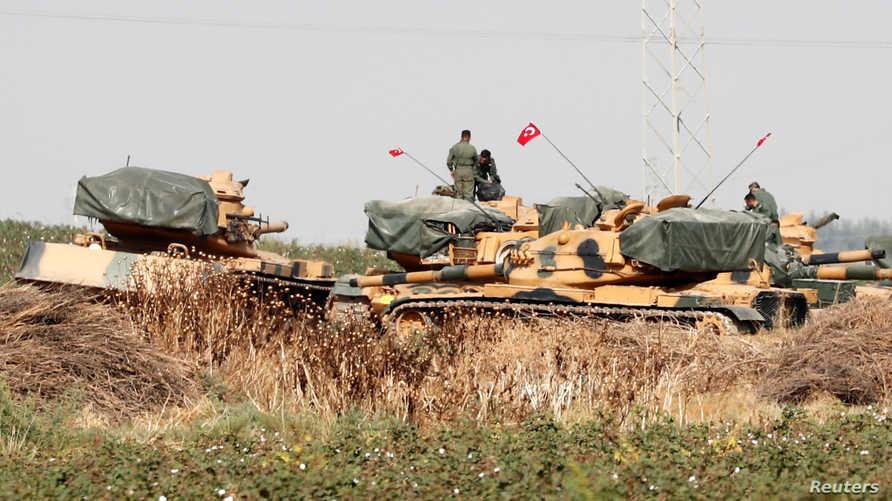 دبابات تركية قرب الحدود مع سوريا