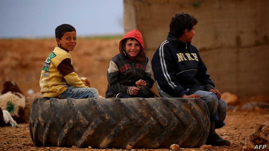 أطفال نازحون غربي منبج
