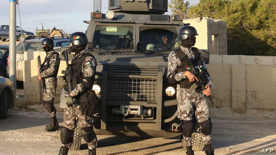 جنود أردنيون في مدينة الكرك_أرشيف