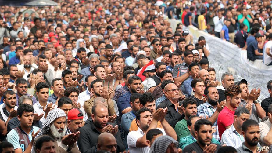 أنصار مقتدى الصدر خلال صلاة الجمعة
